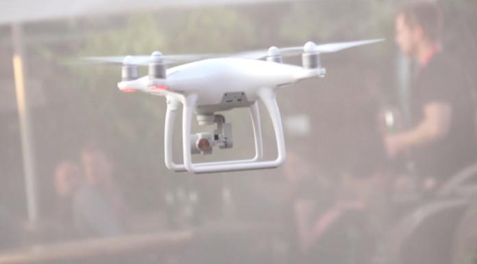 Abflug einer Kamera Drohne