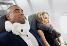 Woman-and-man-using-vasco-pillow