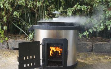 Der Ofen von Acacia Innovations in dem die Zuckerrohrbriketts verbrannt werden