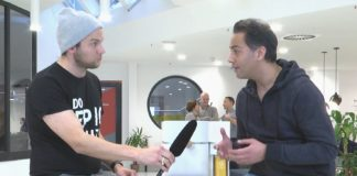 Moderator intervewing a startup during 60seconds live show.