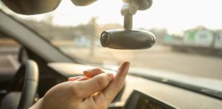 StartupTV | Gadgets | This AI-Driven Dash Cam Keeps Drowsy Drivers Safe